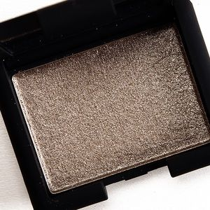 NARS Hardwired eyeshadow in Stud